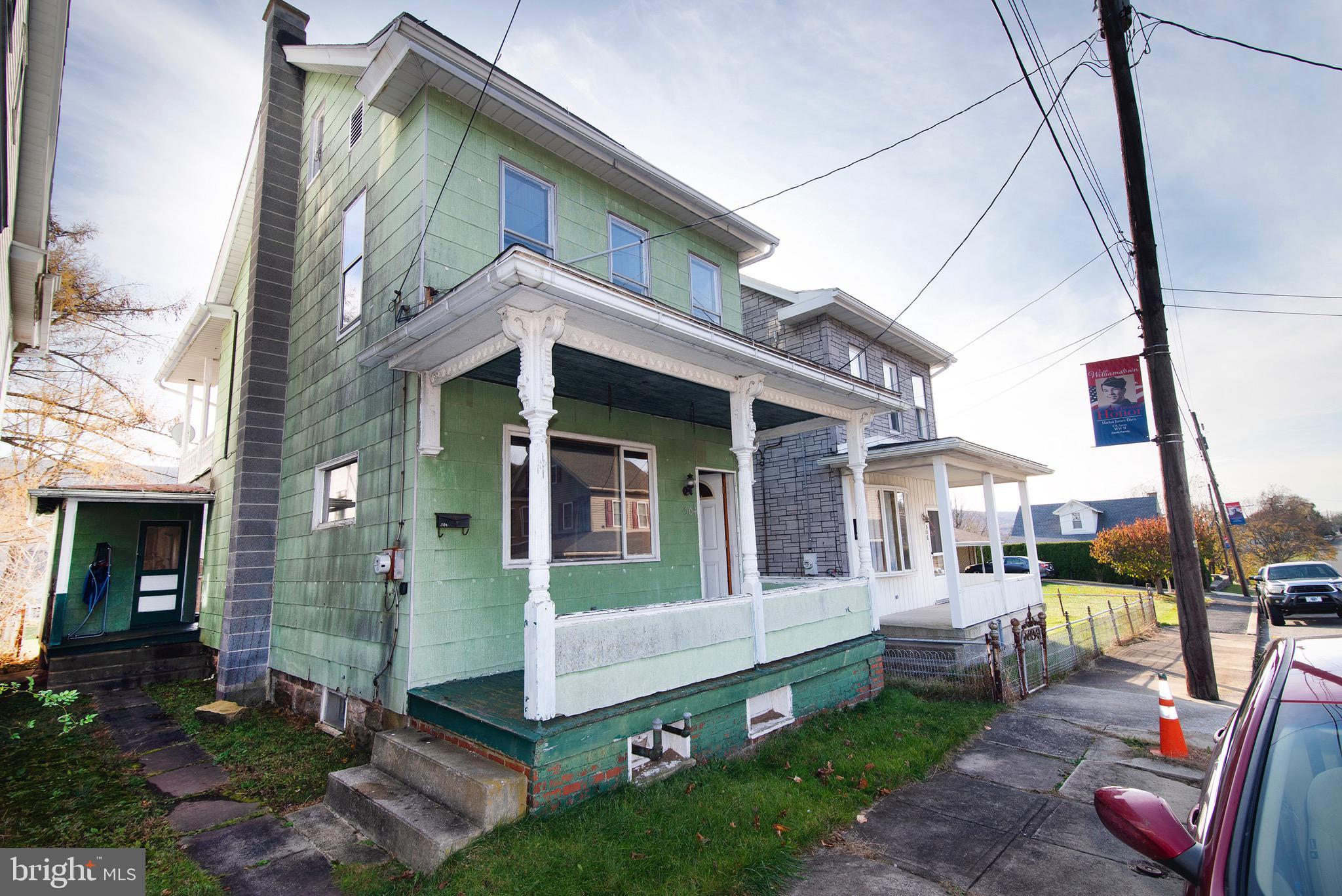 504 W JULIAN STREET, WILLIAMSTOWN, PA 17098