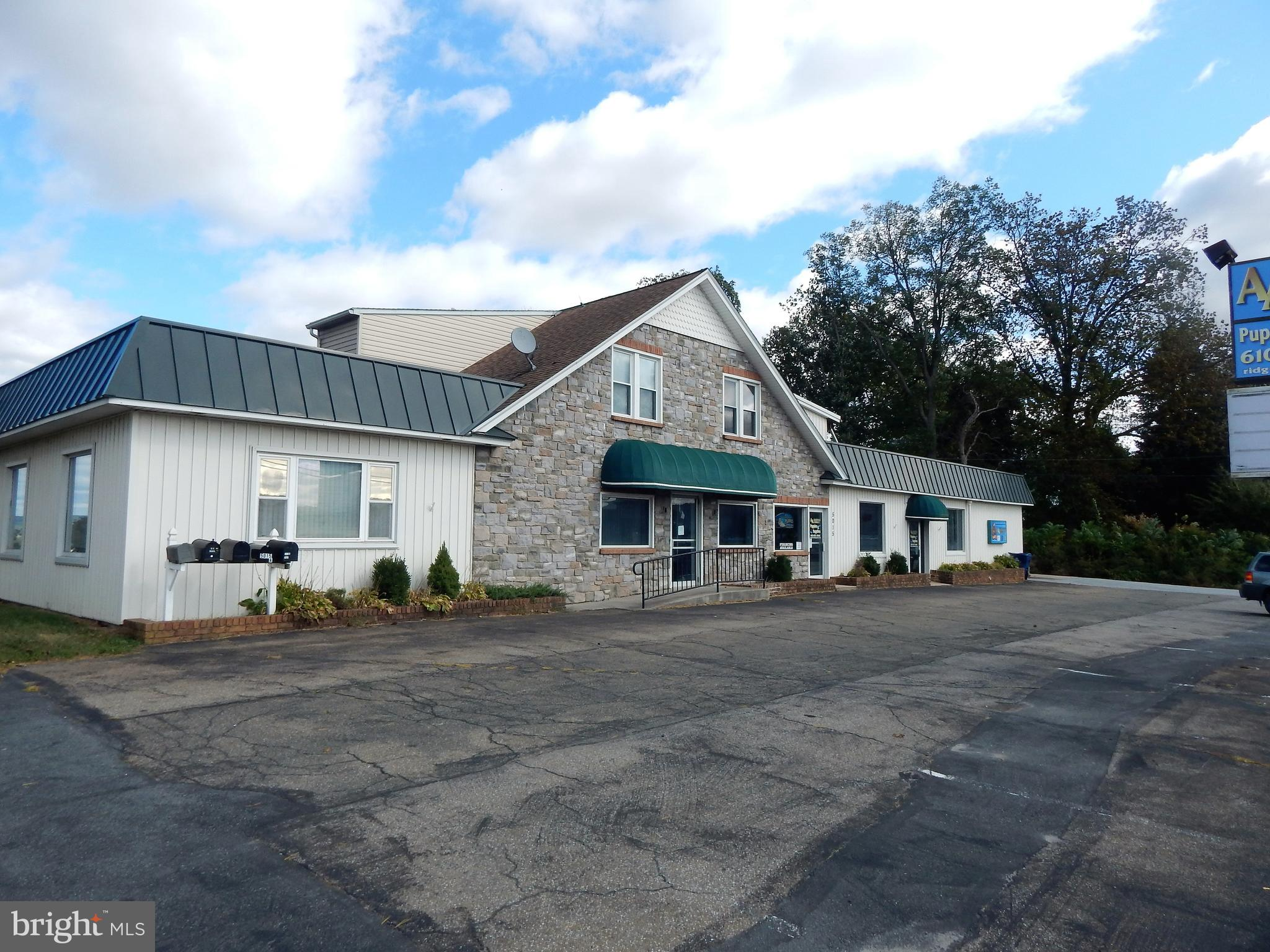 5015 LINCOLN HIGHWAY, KINZERS, PA 17535