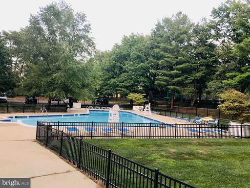 3100 S Manchester St #1136, Falls Church 22044