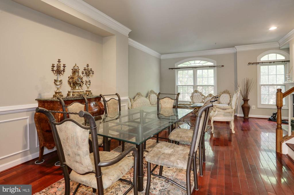 Photo of 8840 Mansion View Ct