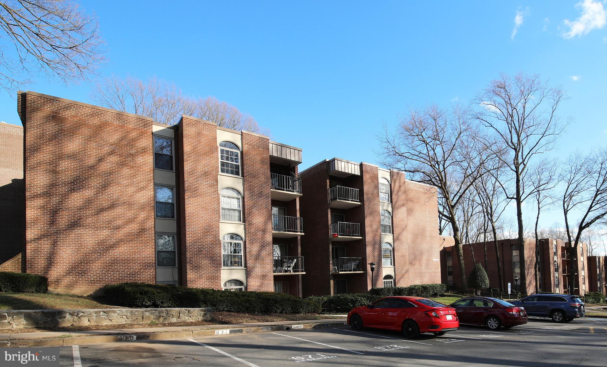 Wonderful large 2br/1.5 ba condo at Woodburn Village. Just steps from Fairfax Hospital - minutes from I-495, I-66 and Tysons Corner. Convenient to bus and metro, Mosaic etc.  Woodburn Village is a garden community with great common grounds, picnic areas, sports courts and outdoor pool. The condo fee includes all utilities. Extra storage in basement.
