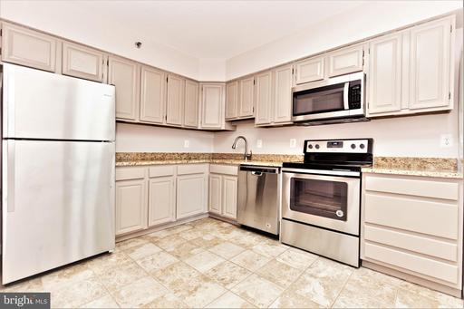 3709 S George Mason Dr #213, Falls Church, VA 22041
