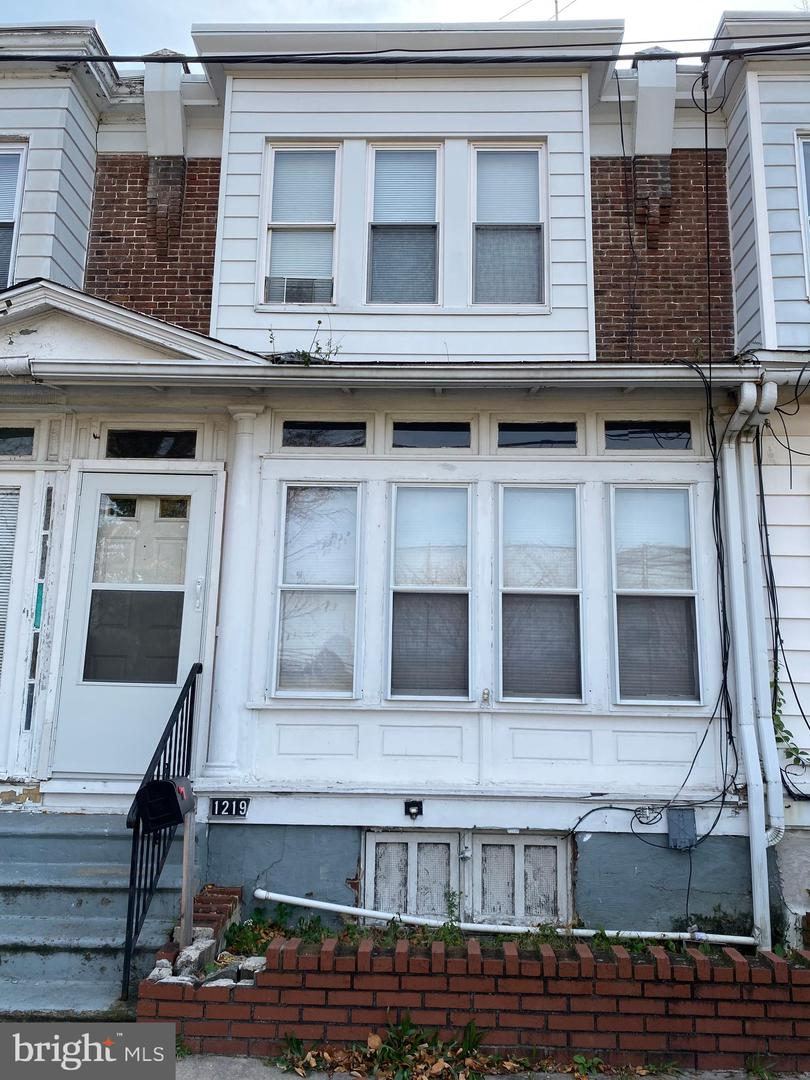 1219 W 10th Street Chester, PA 19013