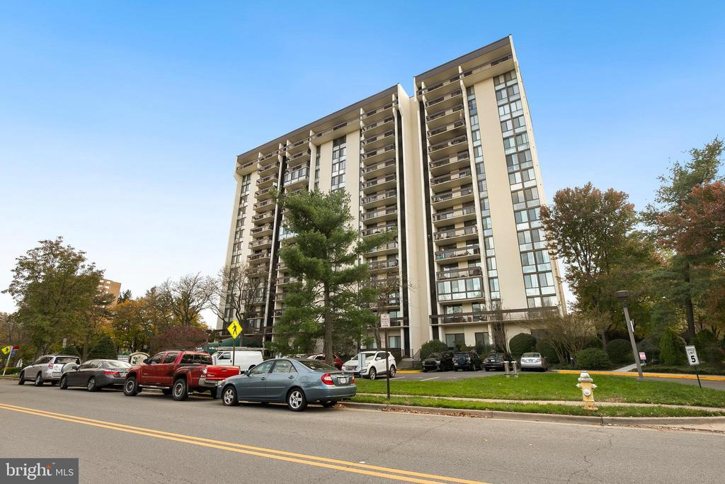 Photo of 5300 Holmes Run Pkwy #1008