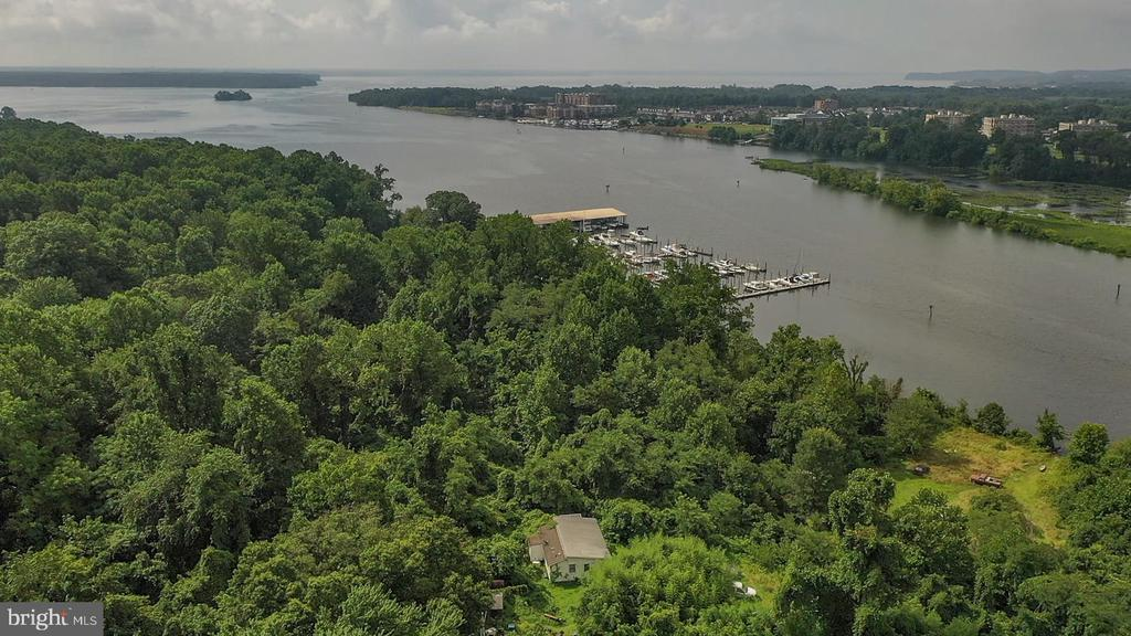 Value is in the Land. Tucked away but close to everything is this almost 4 acre parcel located in fairfax County with approx 600 linear feet of riverfront. Breathtaking views of the Occoquan River. Situated between 2 marinas, 22 miles from DC, less than 10 miles from Ft Belvoir, approx 16 miles from Quantico, minutes to rt 1, I95, shopping, restaurants and regional and State parks.