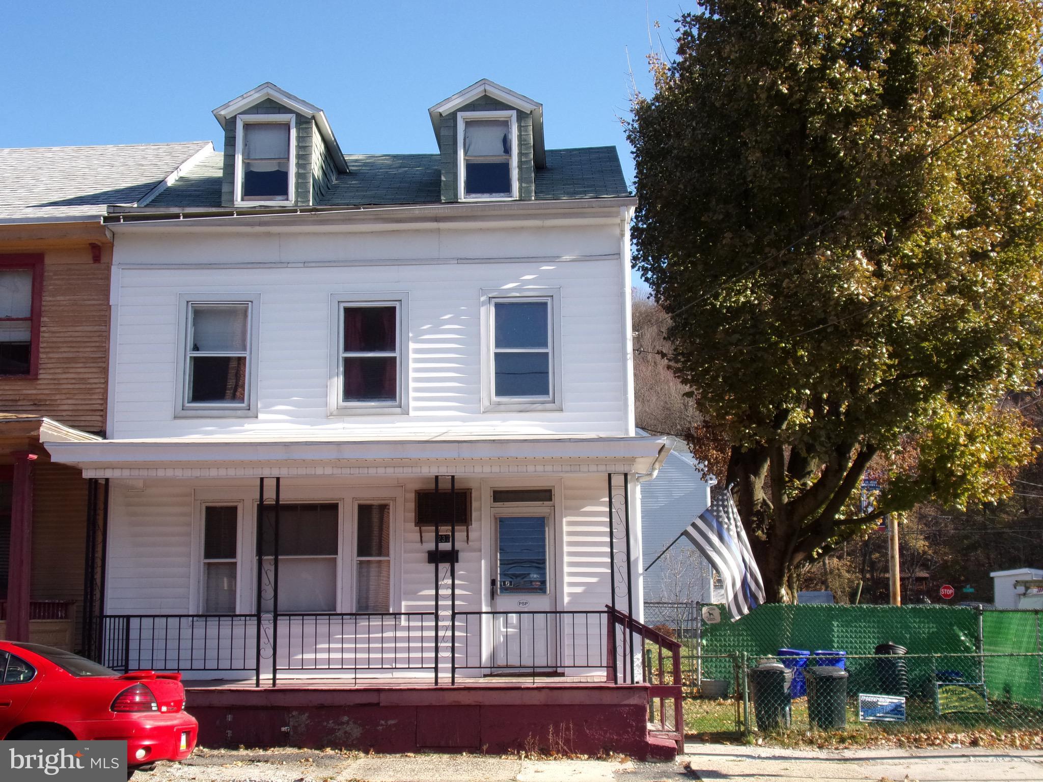 237 S NICHOLAS STREET, SAINT CLAIR, PA 17970