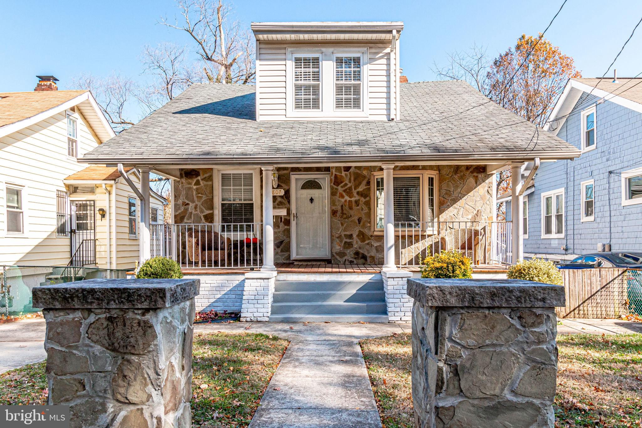 3807 40TH AVENUE, BRENTWOOD, MD 20722