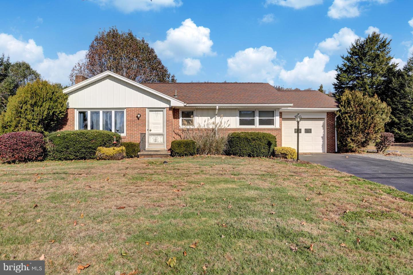 182 Golf Course Road Mohnton, PA 19540
