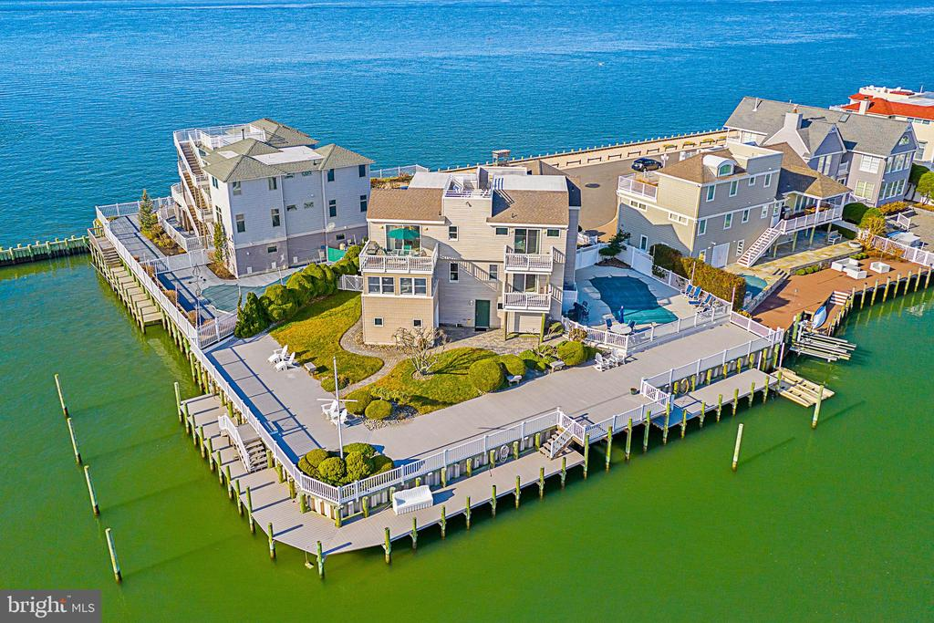 142 W NEWPORT, Long Beach Island, New Jersey
