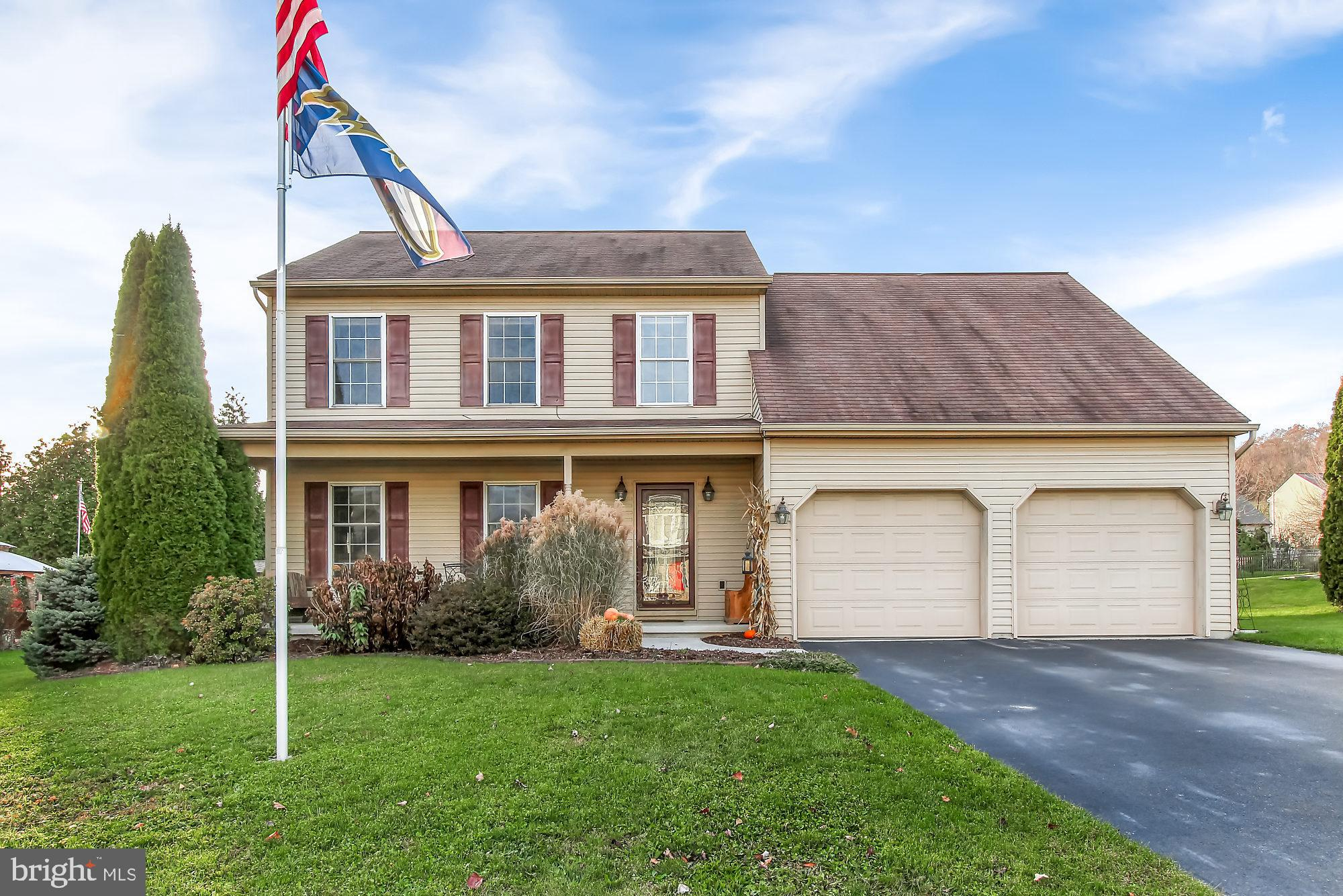 360 SILVER MAPLE COURT, MOUNT WOLF, PA 17347