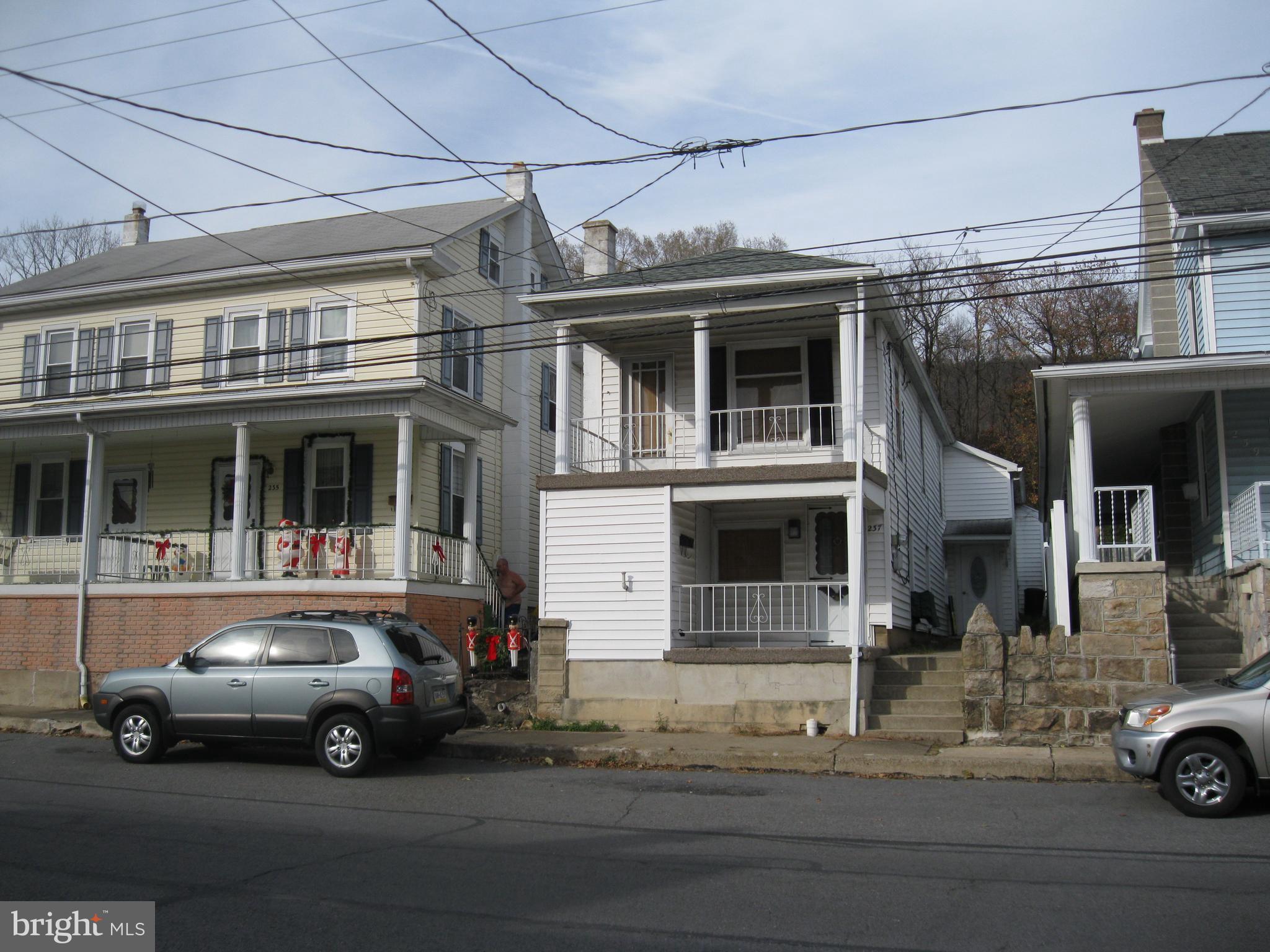 237 E BROAD STREET, WILLIAMSTOWN, PA 17098