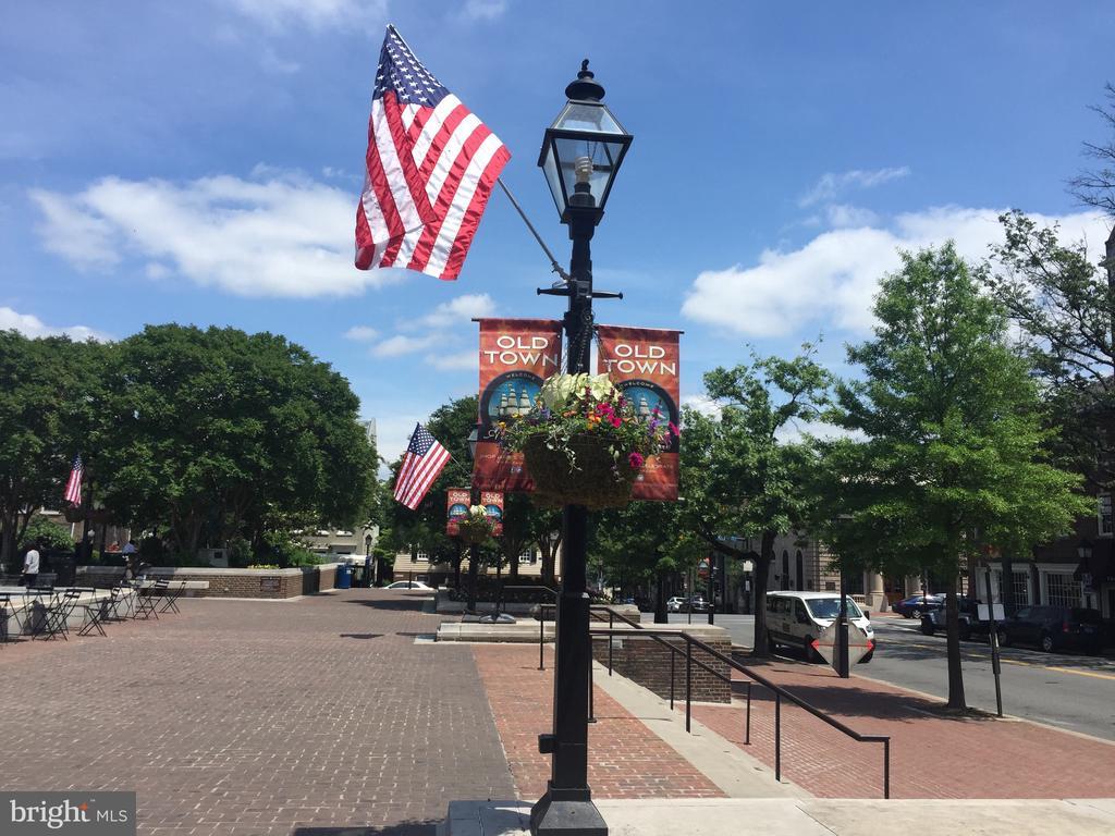 Photo of 922 S Washington St #311