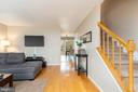 6566 Old Carriage Ln