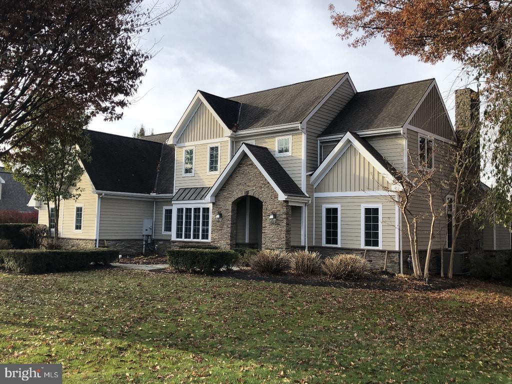 791 BENT CREEK DR, Lititz PA 17543