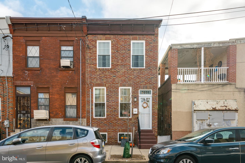 2031 S 11th Street Philadelphia, PA 19148