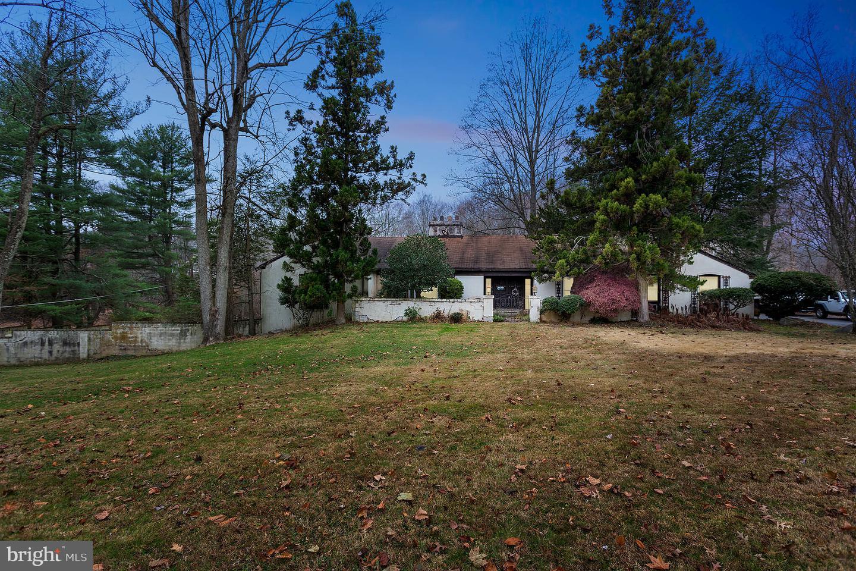 339 Crum Creek Lane Newtown Square, PA 19073