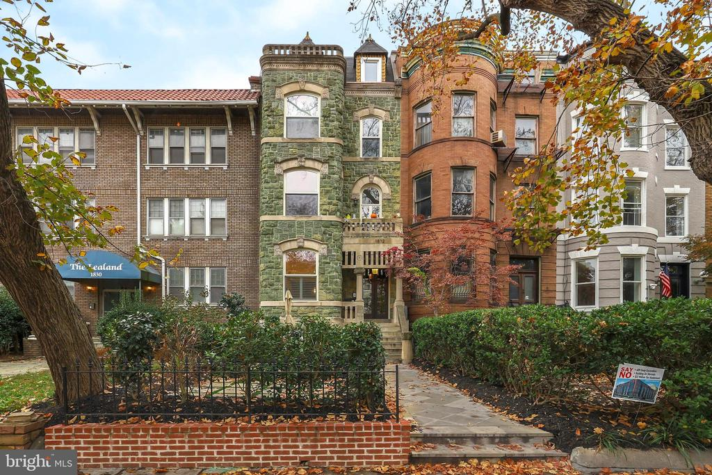 The DC market has been on a tear, but a NYC job transfer means you can get this gorgeous 2/2 with PARKING for less than what the owners paid in 2018. Such a rare find: soaring ceilings with 4x crown molding, herringbone oak floors, fully custom kitchen with Wolf appliances, wine fridge, and enormous breakfast bar. Spacious master with walk-in closet + office space, 3-way shower, dual vanities. Light, bright 2nd BR overlooks secure off-street parking. Boutique, 4-unit building just steps from the best of Logan & Dupont. Won~t last. Quickest close takes the prize!!