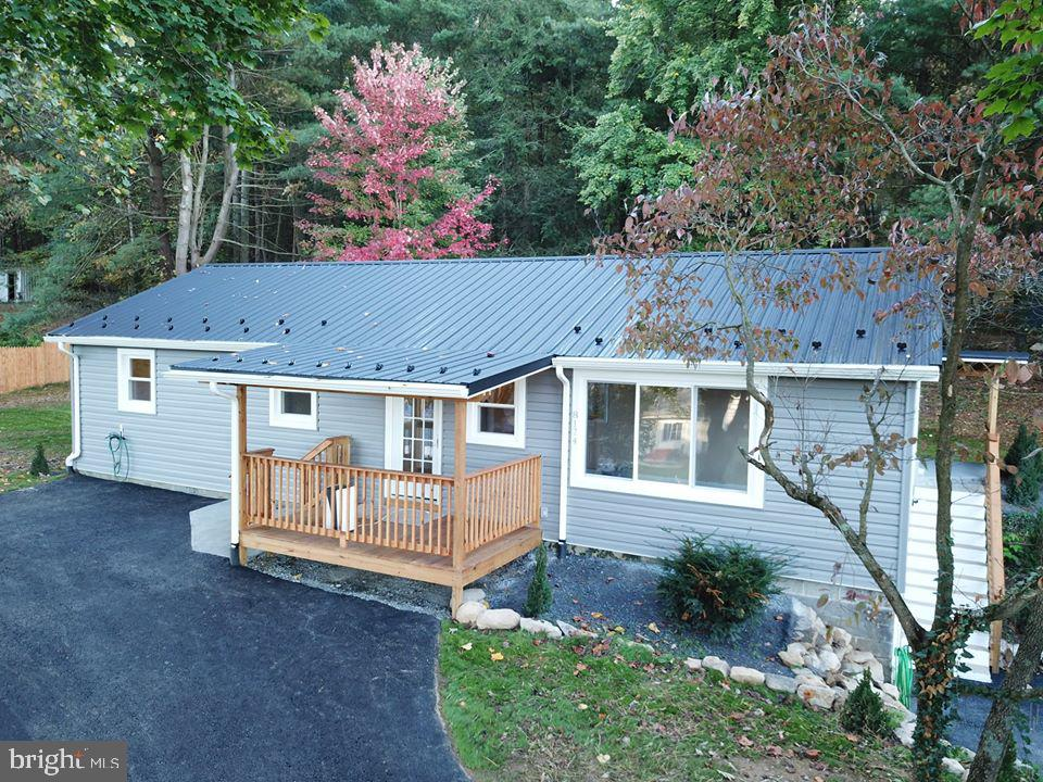 8174 Lincoln Way East, Fayetteville, PA 17222
