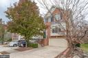 13276 Maple Creek Ln