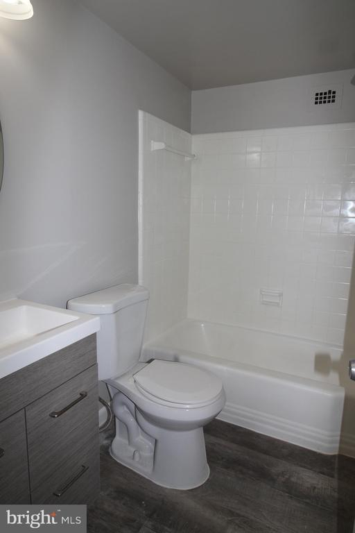 Photo of 5565 Columbia Pike #505