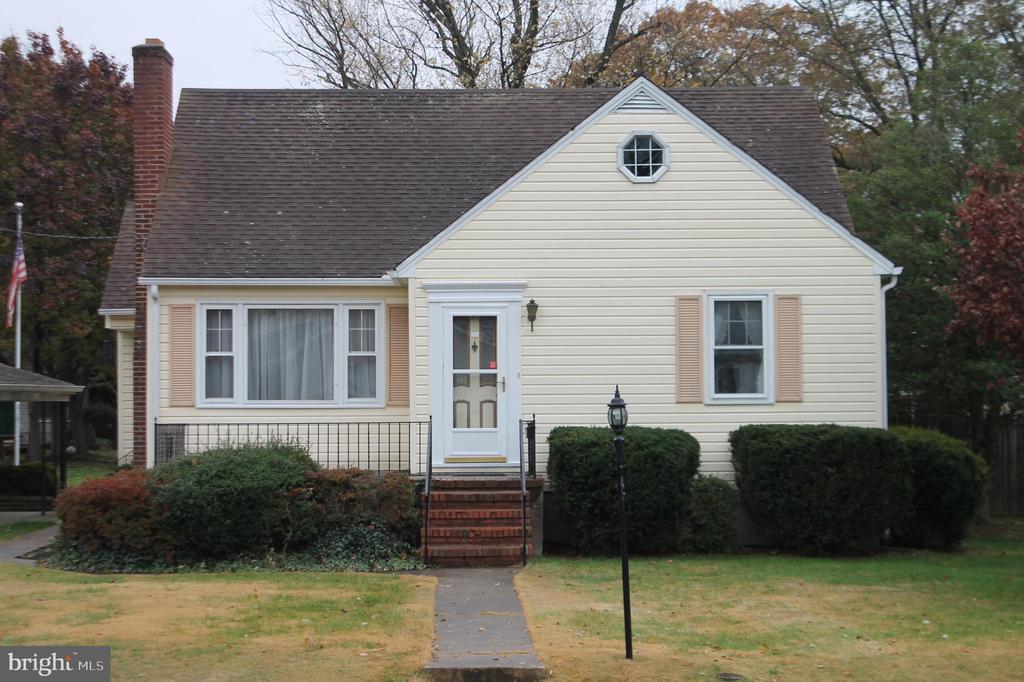 304 VIEWING AVENUE, LINTHICUM HEIGHTS, ANNE ARUNDEL Maryland 21090, 3 Bedrooms Bedrooms, ,2 BathroomsBathrooms,Residential,For Sale,VIEWING,MDAA421200