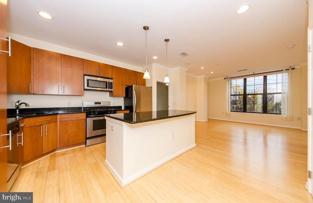 Photo of 444 W Broad St #206