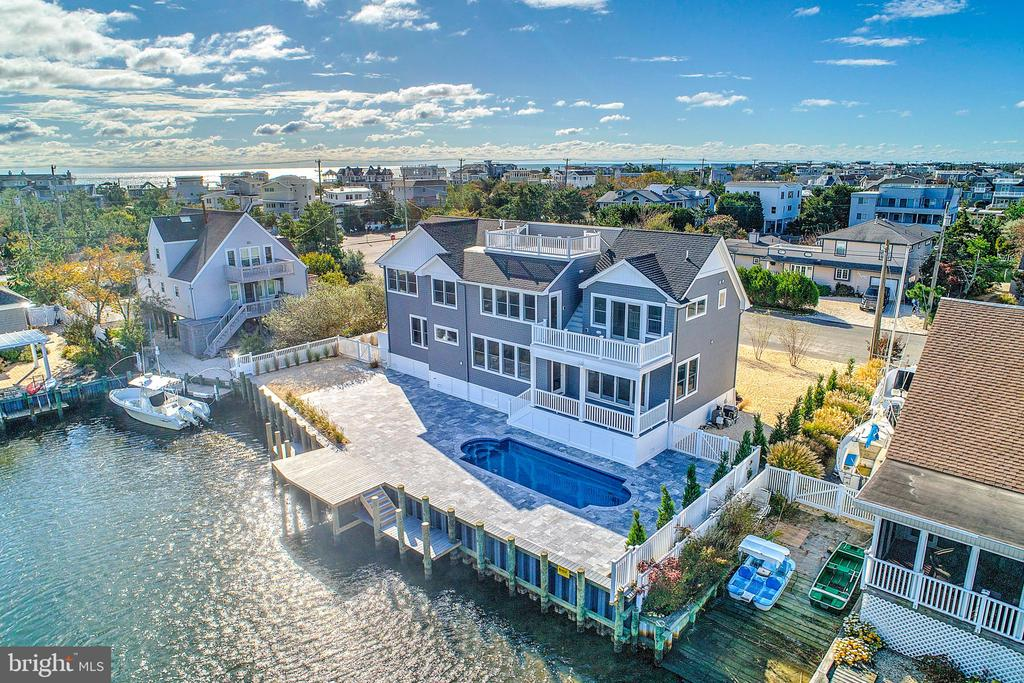 181  MARINA BOULEVARD, Long Beach Island, New Jersey
