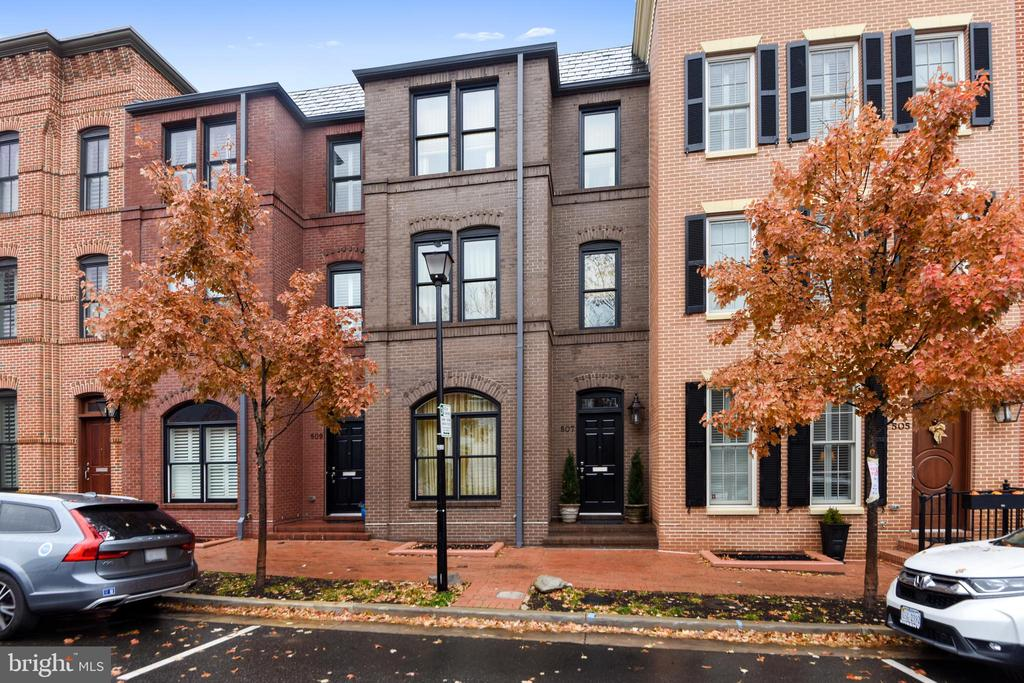 507  ORONOCO STREET, one of homes for sale in Alexandria