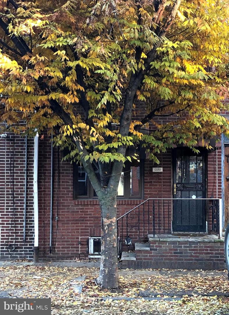1220 S 7th Street Philadelphia, PA 19147