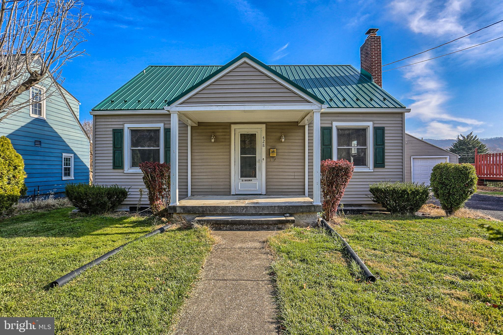 428 CHESTNUT STREET, MOUNT HOLLY SPRINGS, PA 17065