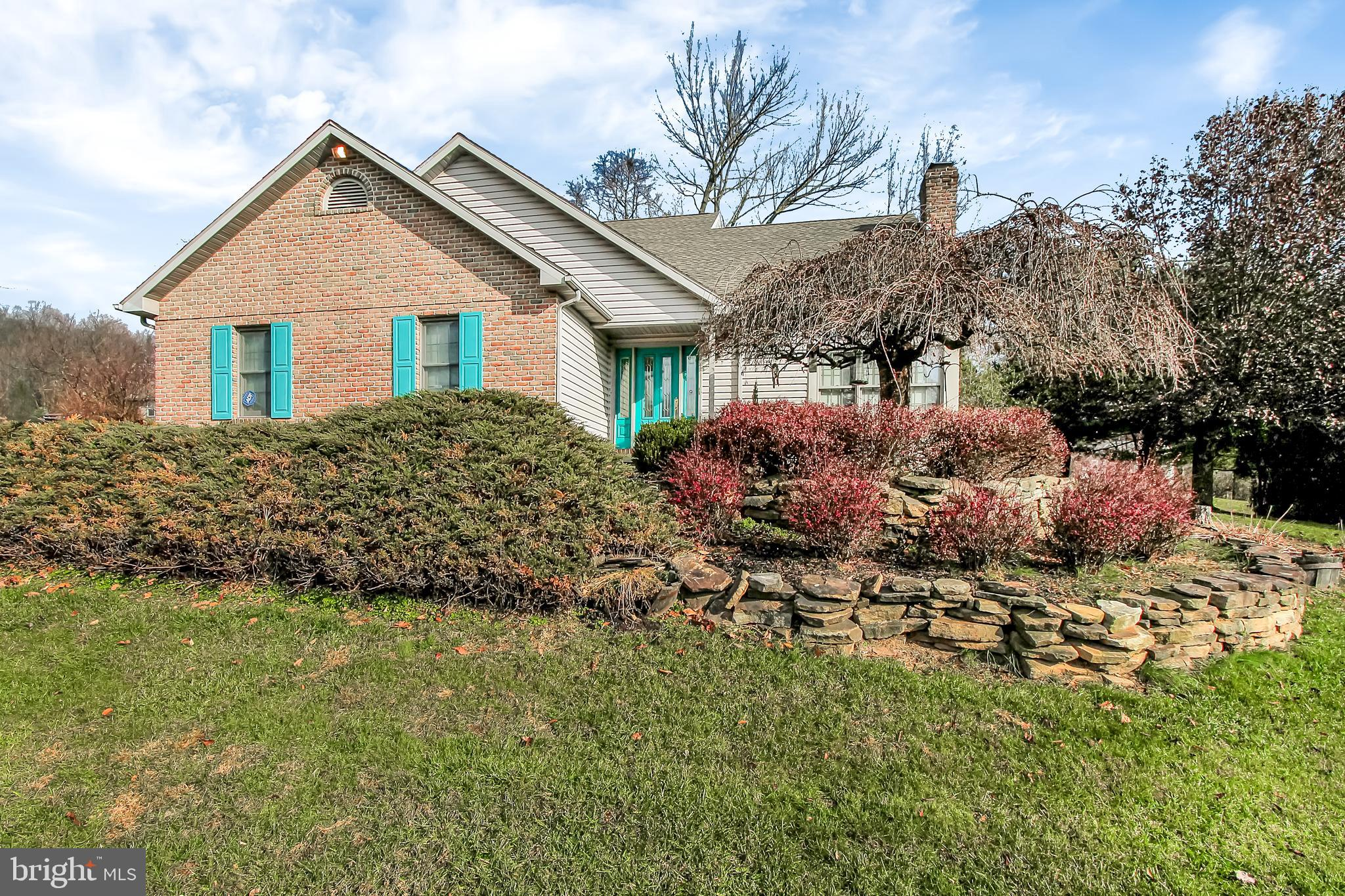 95 5 POINT ROAD, ROBESONIA, PA 19551