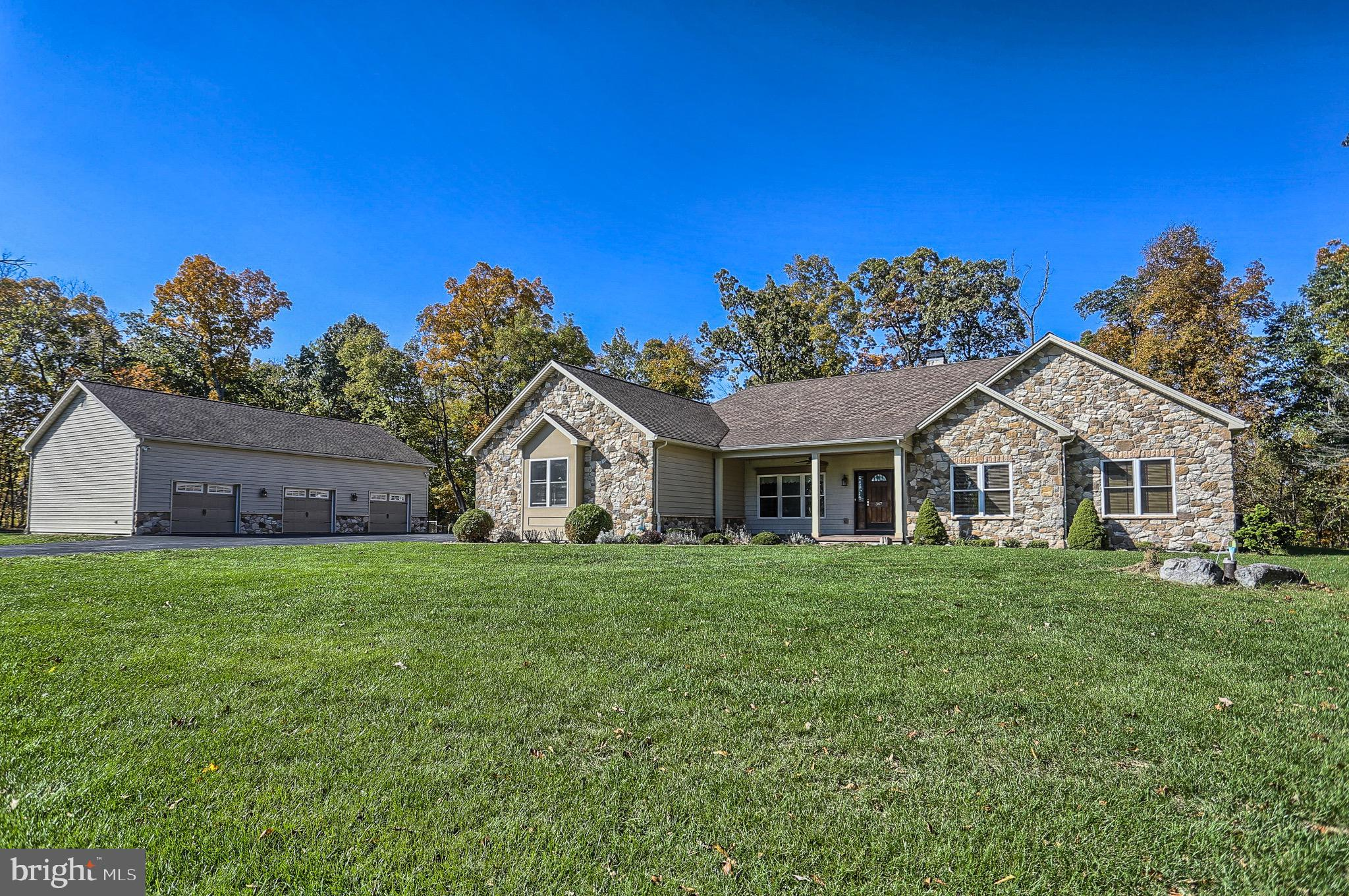 367 BORING BRIDGE ROAD, LEWISBERRY, PA 17339