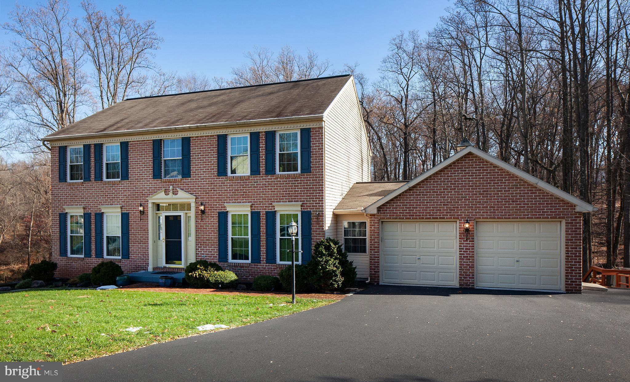 35 BROOK CIRCLE, ETTERS, PA 17319