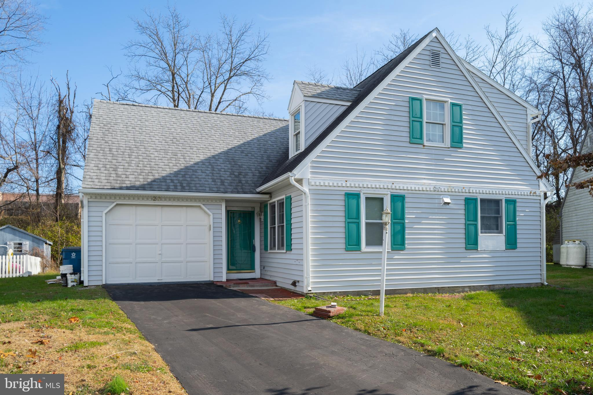 27 WETHERBURN DRIVE, DOWNINGTOWN, PA 19335