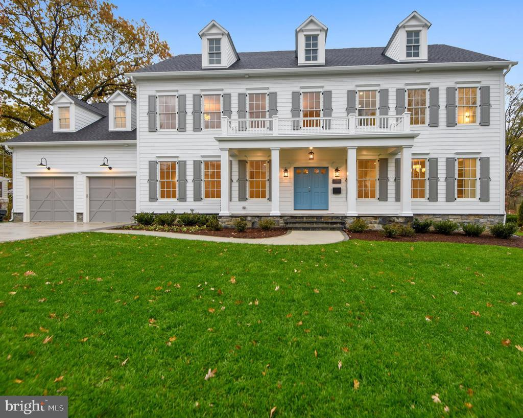 2211  WINDSOR ROAD, Alexandria, Virginia