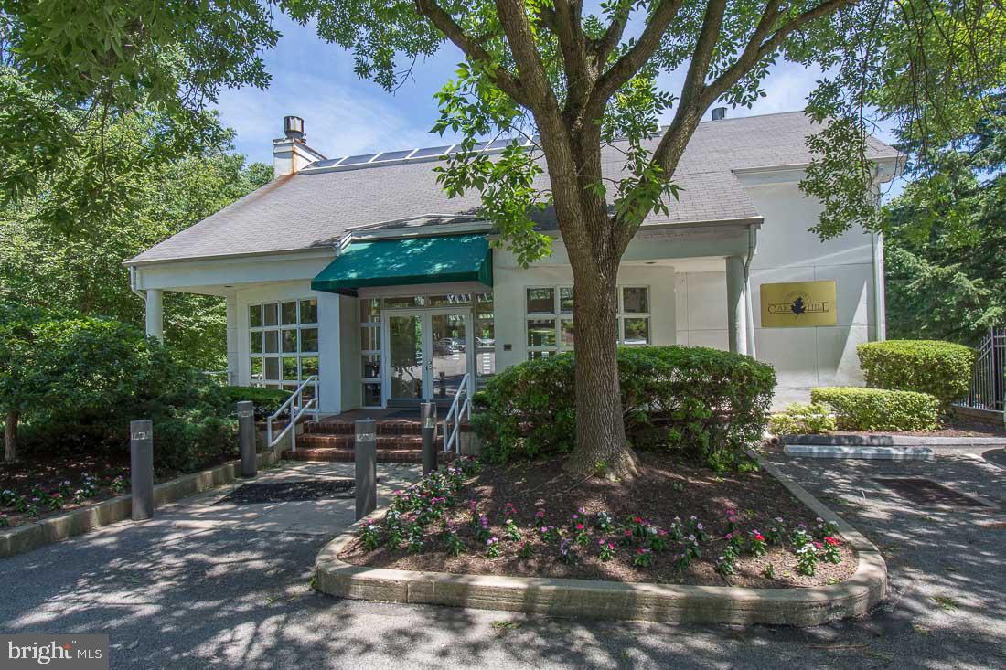 1750 12F Oakwood Terrace Narberth , PA 19072