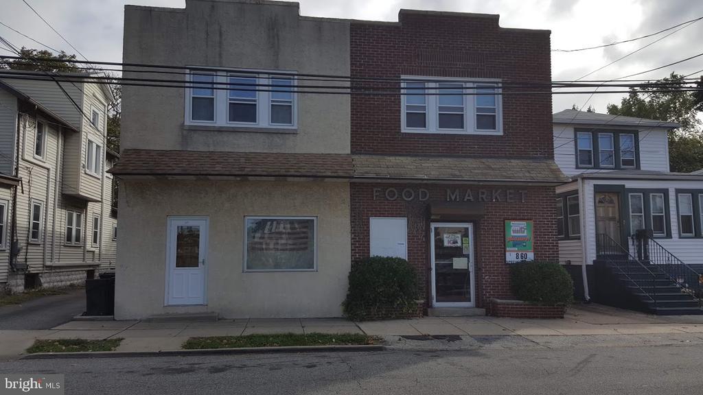 215 Wanamaker Avenue, Essington, PA 19029