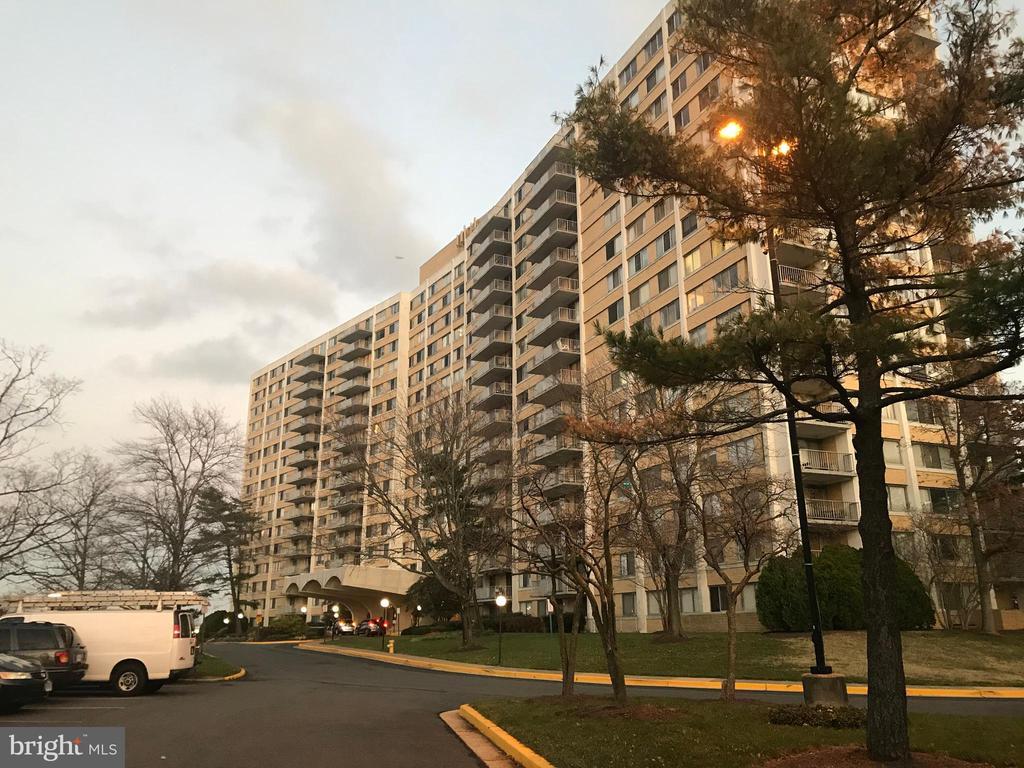 301 N Beauregard St #720, Alexandria, VA 22312