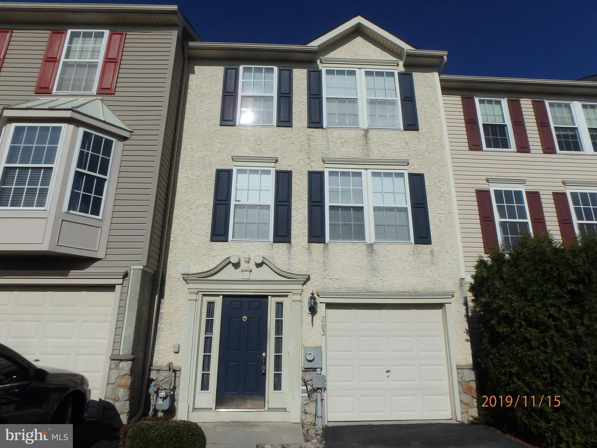 203 FOX TRAIL, PARKESBURG, PA 19365