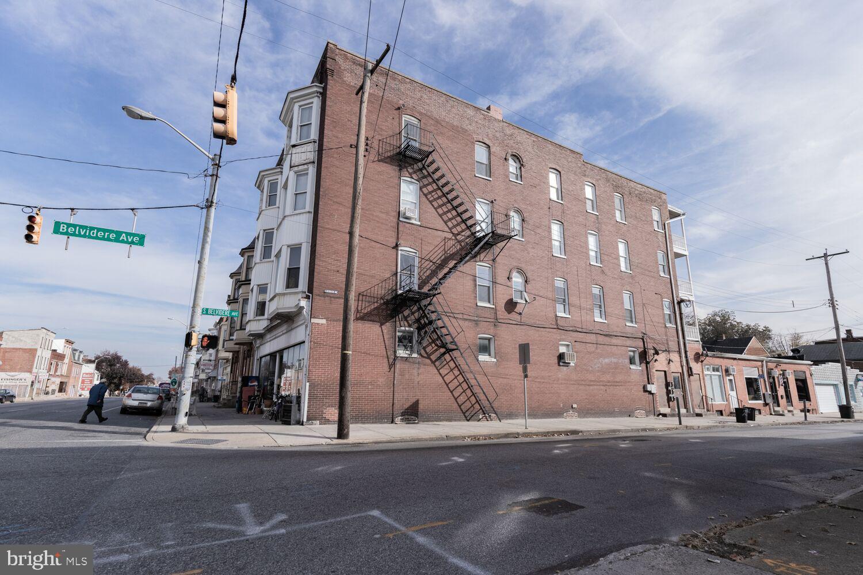 668 W MARKET ST STREET W, YORK, PA 17401