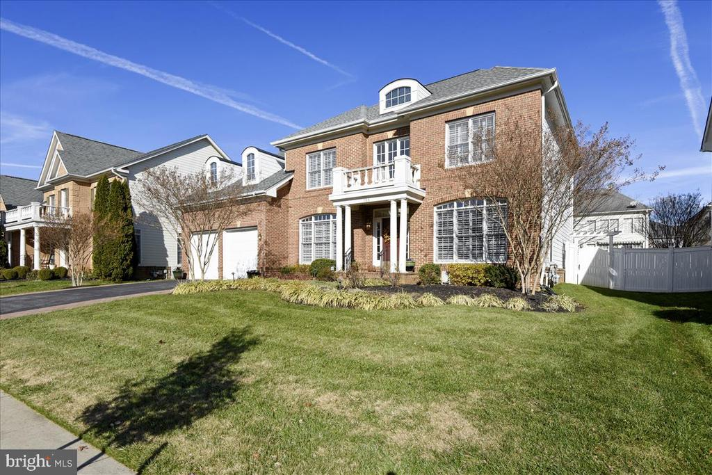 705 PEARSON POINT PLACE, ANNAPOLIS, Maryland 21401, 4 Bedrooms Bedrooms, 13 Rooms Rooms,3 BathroomsBathrooms,Residential,For Sale,PEARSON POINT,MDAA419912