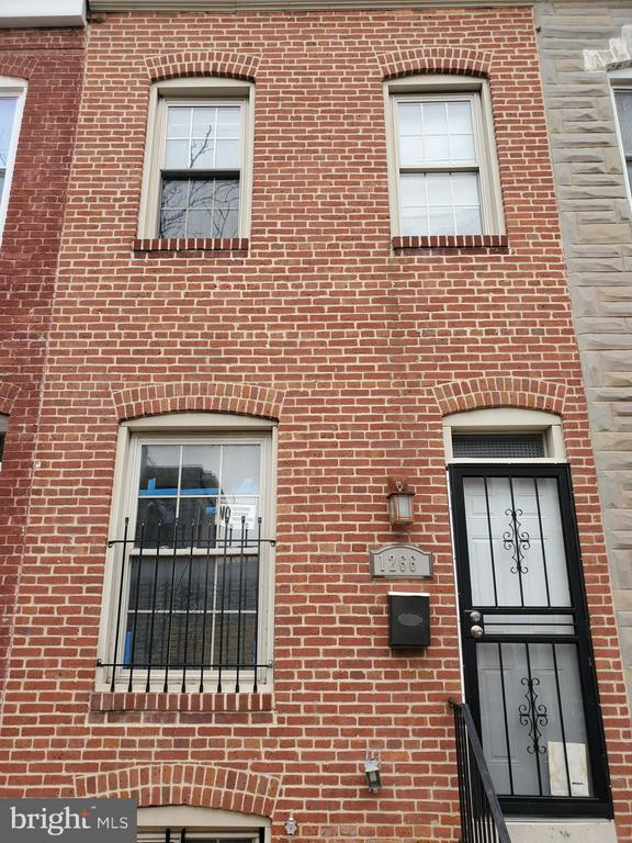 Section 8 Welcomed !!!! This recently renovated 3-bedroom 3 .5 Bath Rowhome will not disappoint. Freshly painted! Open layout! Great kitchen with new Stainless steel appliances, custom backsplash . New carpet throughout. A must see.