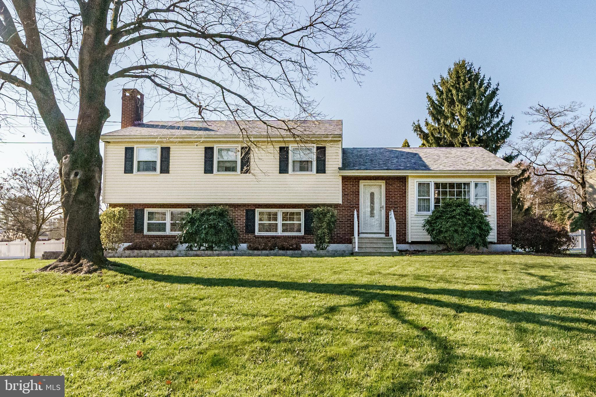 39 BAYBERRY ROAD, EWING, NJ 08618