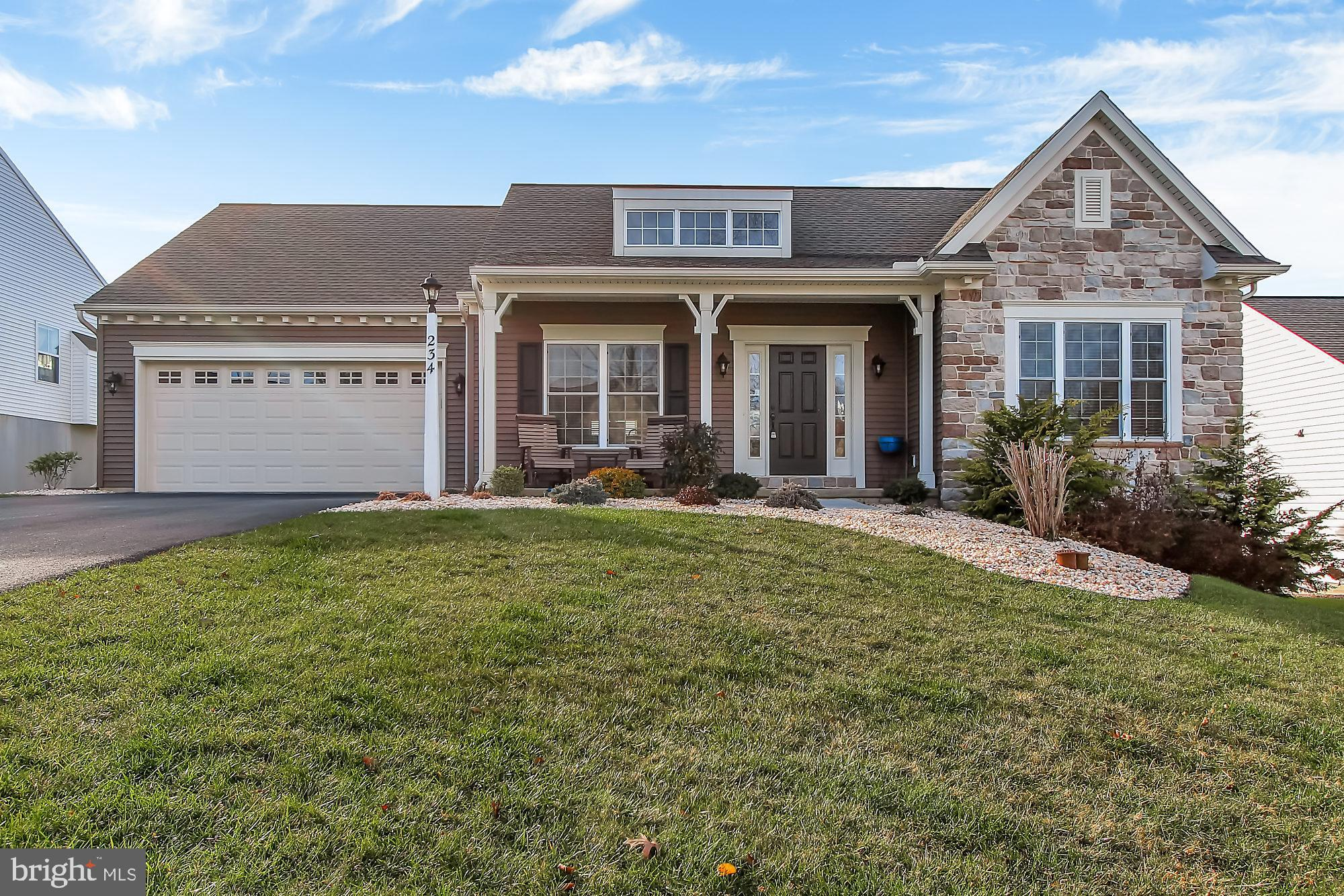 234 COPPER BEECH LANE, WOMELSDORF, PA 19567