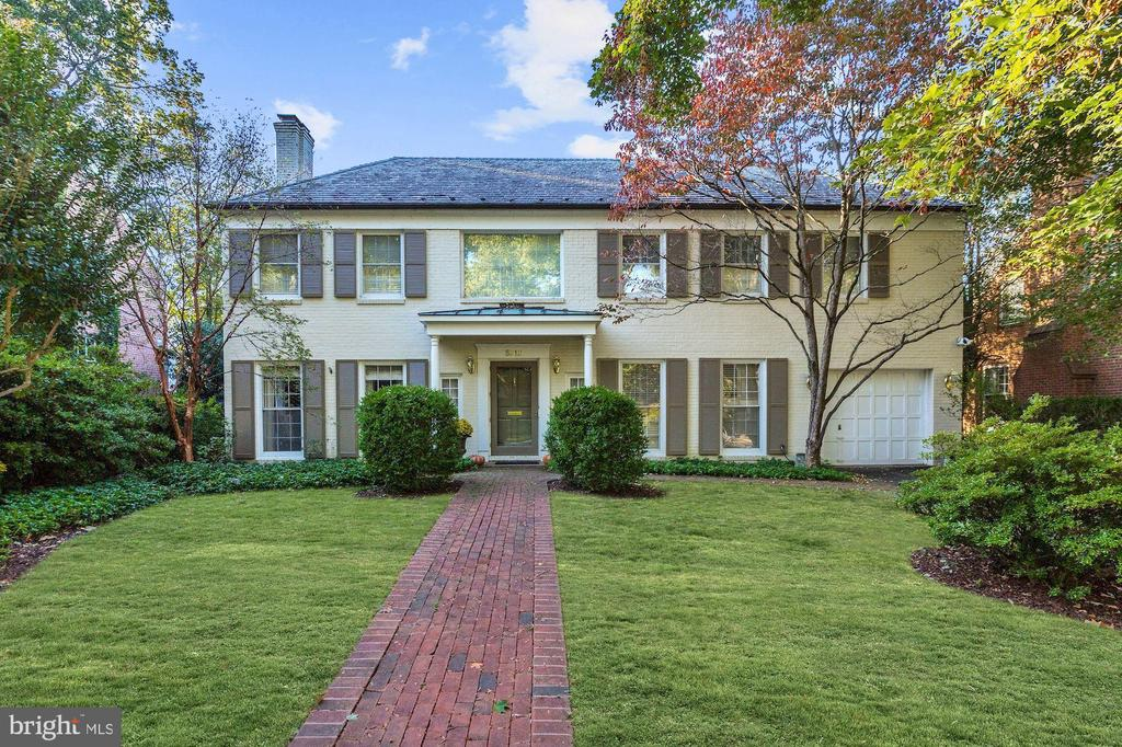 Ideally located in Westmoreland Hills, this charming colonial offers the perfect blend of small-town ambiance with the convenience of nearby city living. The main level features a number of spacious rooms, including an elegant living room, a formal dining room, and a welcoming sunroom with oversized windows and a vaulted ceiling with skylights. The upper-level highlights 4 BDS and 3 BAs, including a luxurious master suite with ample closet storage and an oversized ensuite bath with his/her vanities, walk-in shower, and a soaking tub. The walk-out LL offers new wall to wall carpeting, an oversized recreation room with fireplace, a fifth potential bedroom that could serve as an au pair/in-law suite, full bath, and ample opportunities for storage. Situated steps from the neighborhood park, the Capital Crescent Trail, and blocks from Spring Valley Shopping Center (Starbucks, Millie's, Wagshal's etc.) this home poses as an ideal location being a quick drive to downtown DC, Bethesda or Chevy Chase.