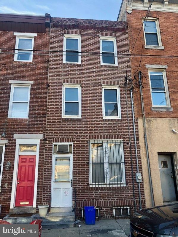 2122 E Dauphin Street Philadelphia, PA 19125