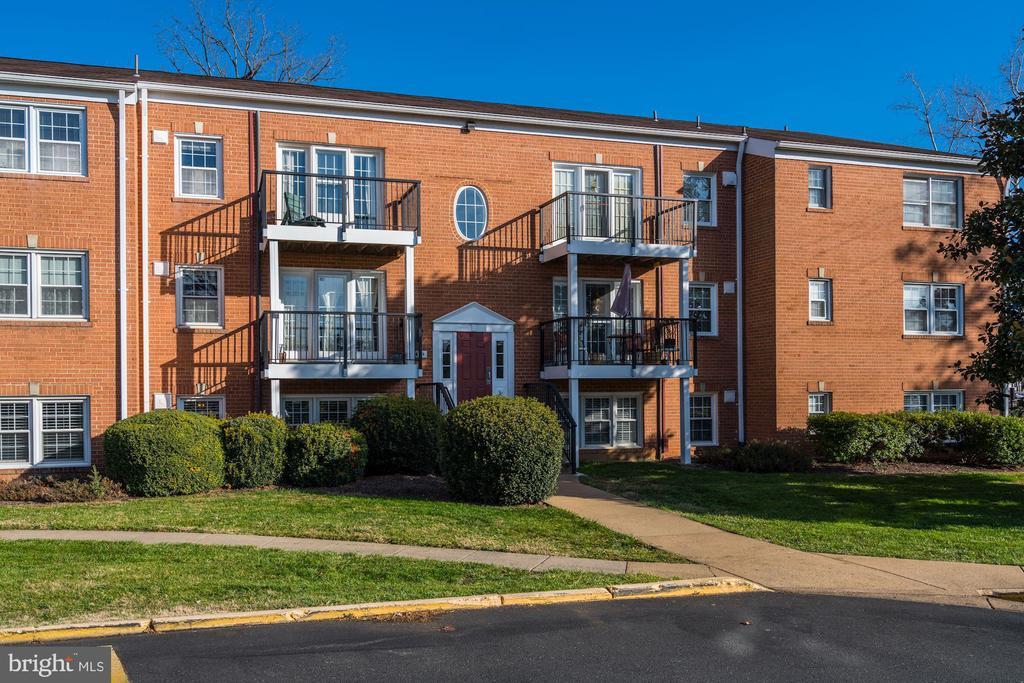 Photo of 9459 Fairfax Blvd #101