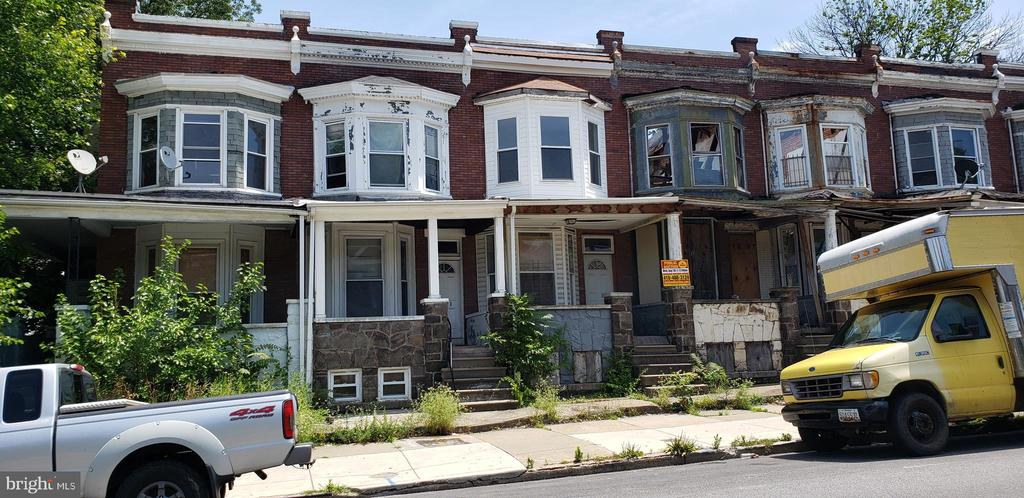 PUBLIC ONSITE AUCTION: Fri Dec 13 @ 12:00PM EST. Listing price is suggested starting bid. 2 Story Townhome located in the Winchester area. In close proximity to Gwynns Falls Park. Property is vacant. 1,448 SQ FT. 10% Buyer's Premium or $1,000 Auction Service Fee, whichever amount is greater, will be added to the high bid. 2.5% Broker Co-Op. Call office for full terms and conditions.