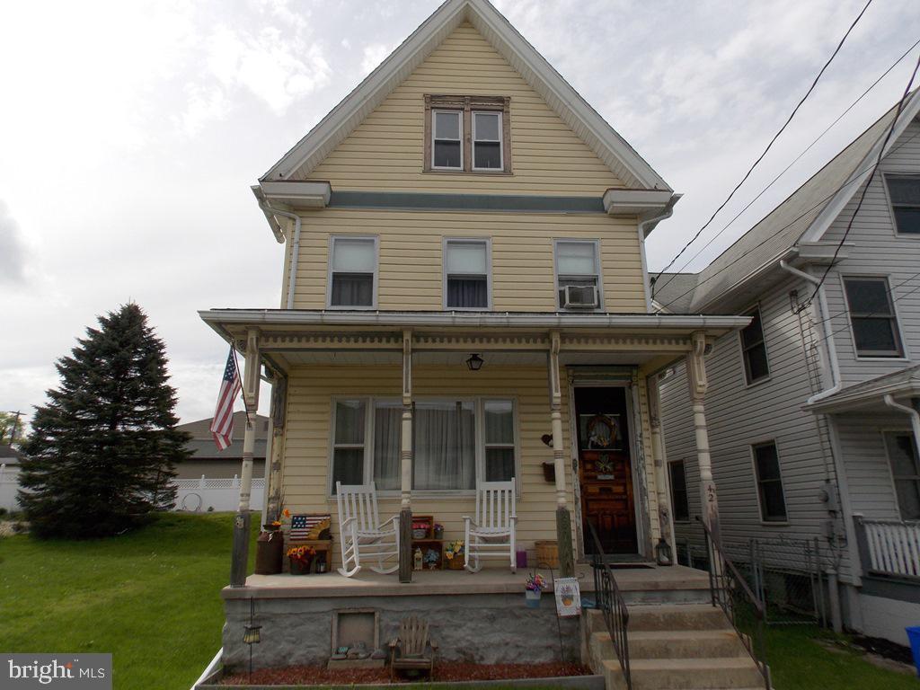 421 SOUTH STREET, JIM THORPE, PA 18229