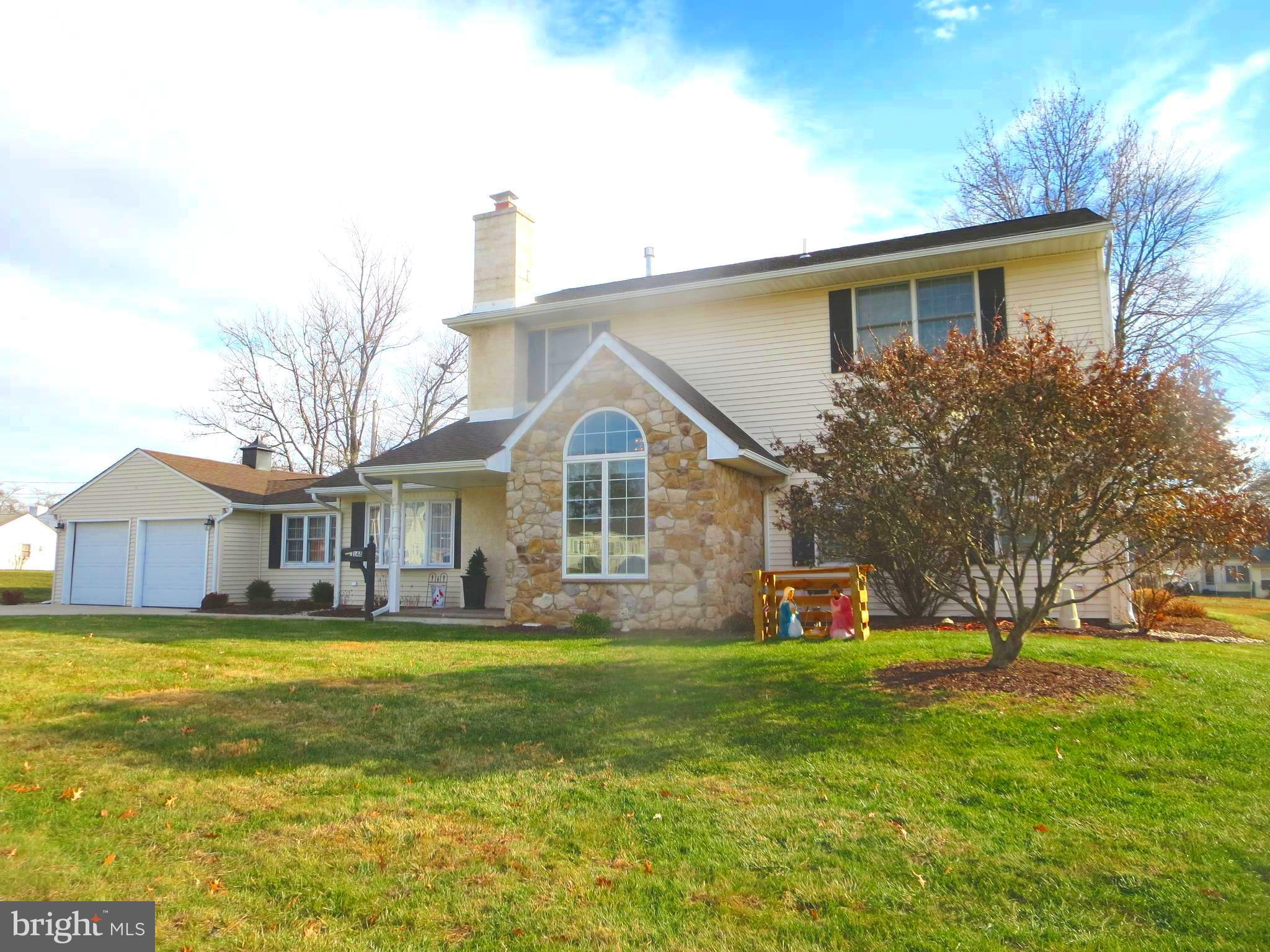 148 FAIRFAX ROAD, FAIRLESS HILLS, PA 19030